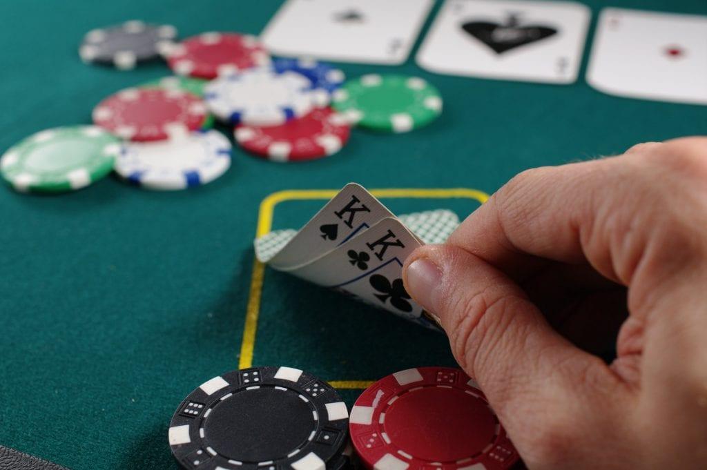 crazy four poker